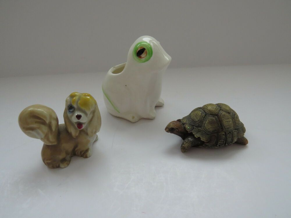 Lot of 3 Miniature Animal Figurines - Ceramic FROG - DOG