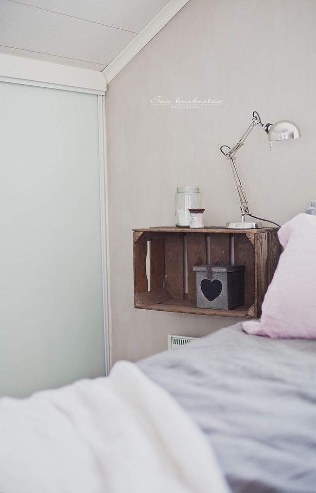 Oh I Love This Save Space Underneath For Stacks Of Books Idees Chambre Etagere Chambre Ado Deco Chambre