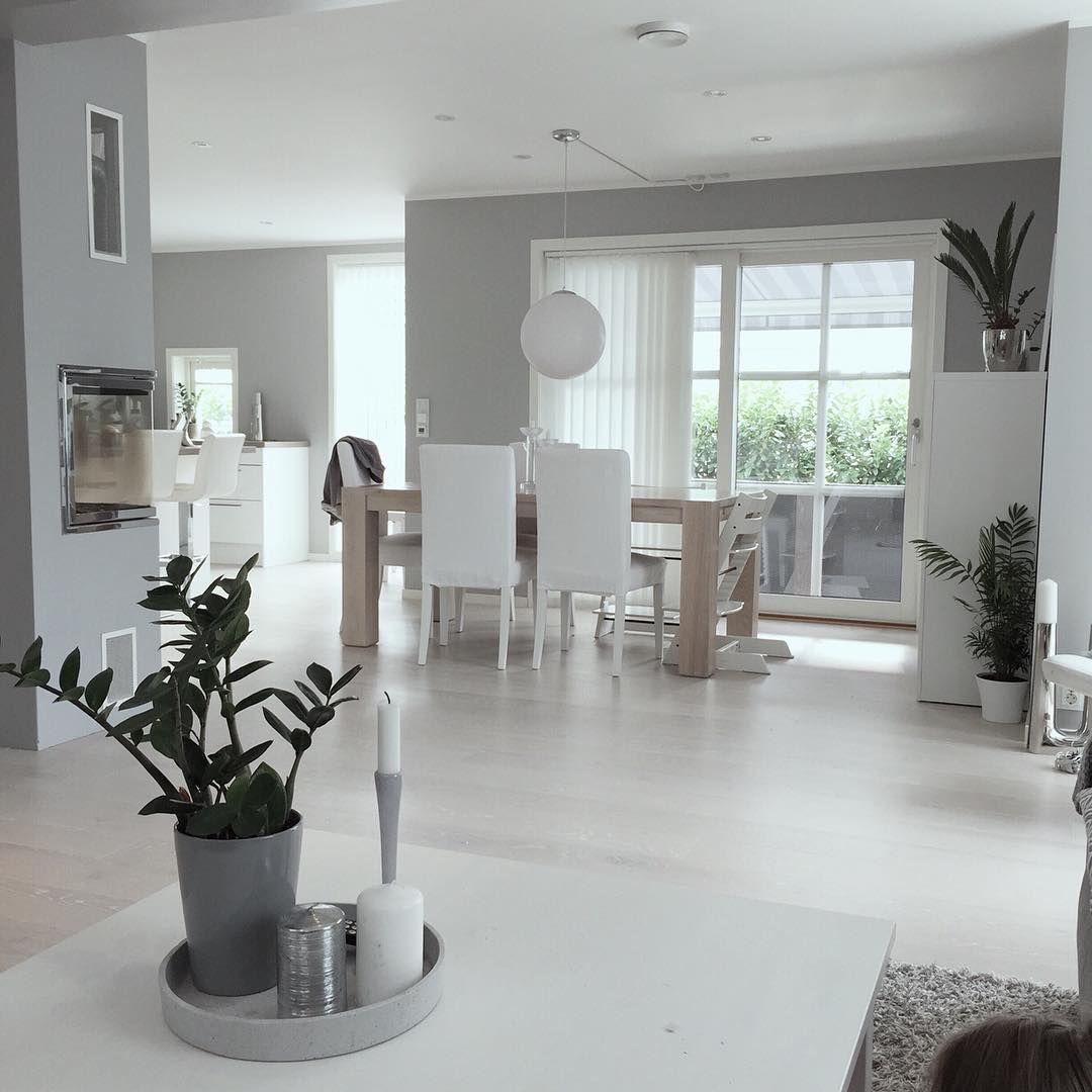 Fredag✔️ Beste dagen i uka #interior123 #interior4all #interior4you1 #interiorstyled #roomforinspo #dreaminteriors #livingroom #interiorandliving