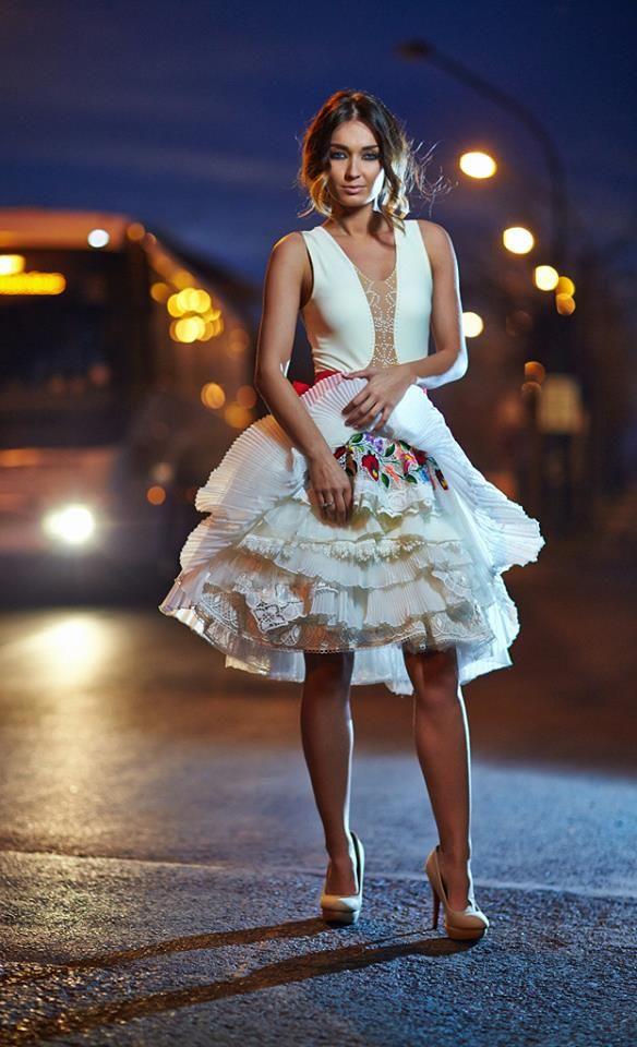 5de6950f24 Bélavári Zita Couture | wedding | Menyasszonyi ruha, Esküvői ruha, Divat