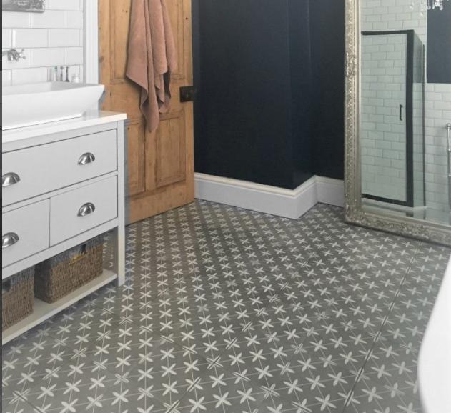 £30.00 per m2 #flooringideas #newflooring #vinylflooring #sheetvinyl #vinyltiles #zazousflooring #zazous #floortiles #flooringdesign #kitchenfloors #bathroomfloors #homeinspiration #bathroomdecor #interiorstyling #retroflooring #retrotiles #vintageflooring #vintagetiles #retrostyle #vintagestyle #interiorinspiration #homedecor #inspiringinteriors #flooringdesignideas #victorianflooring