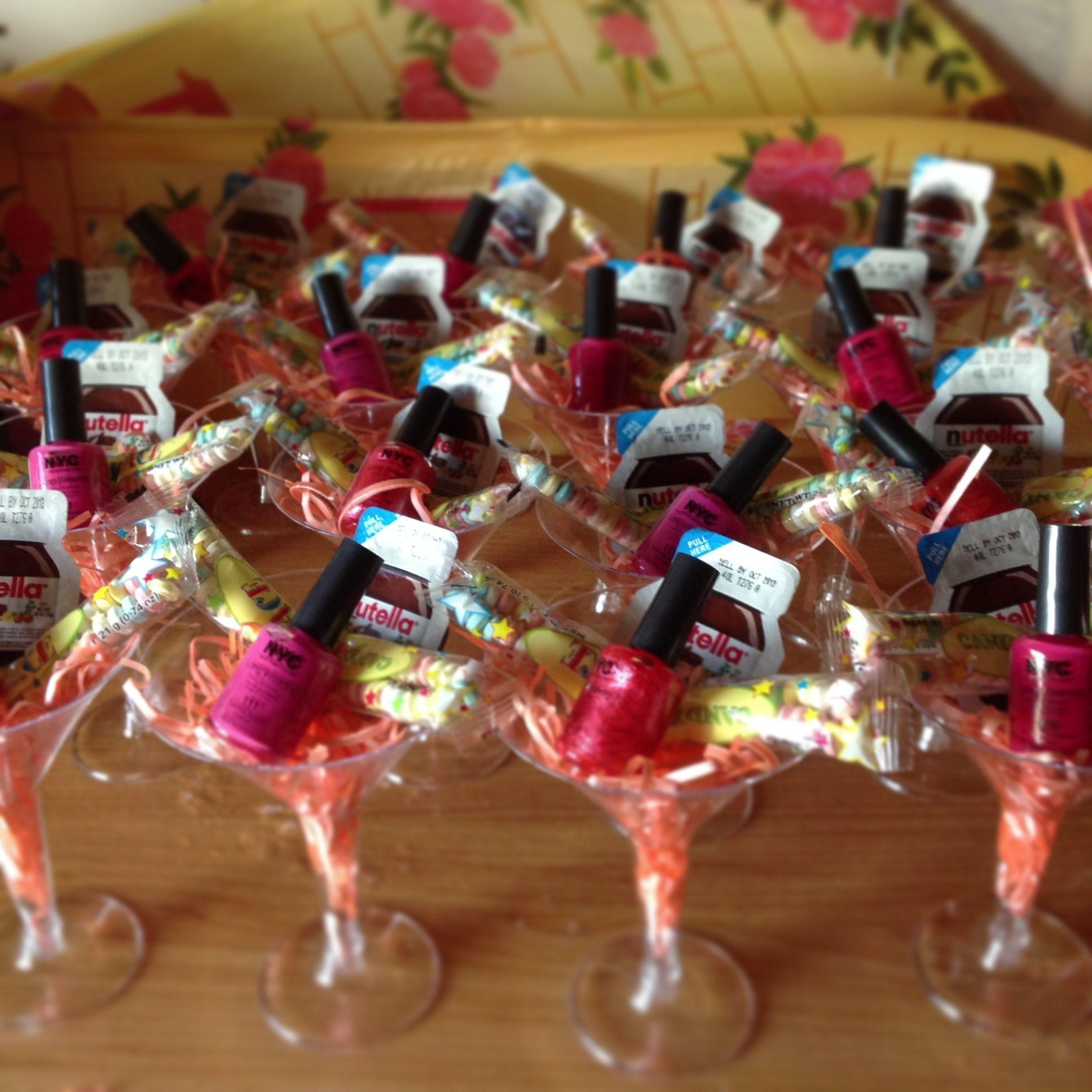 Best Wine For Wedding Gift: Bridal Shower Favor Idea. Like Idea Of Something In