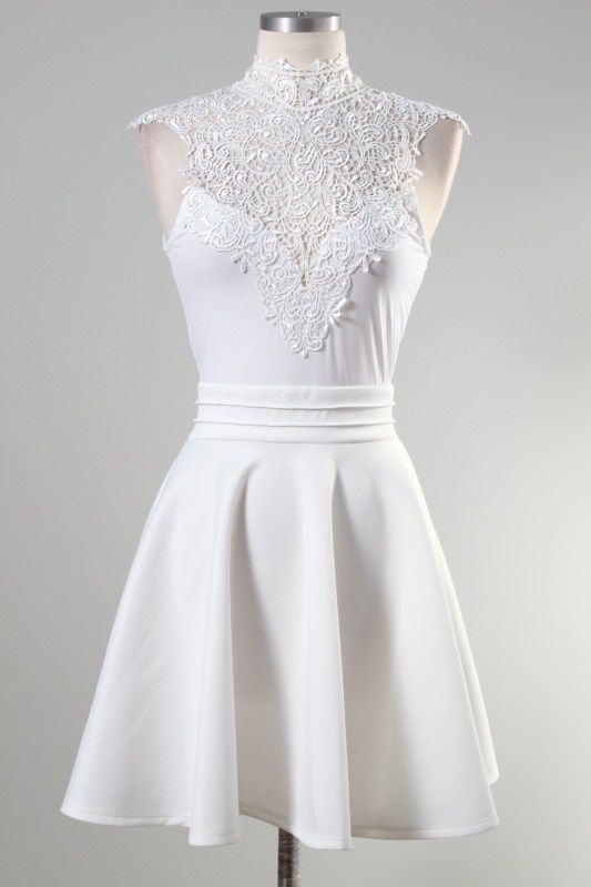I love the top of this dress.