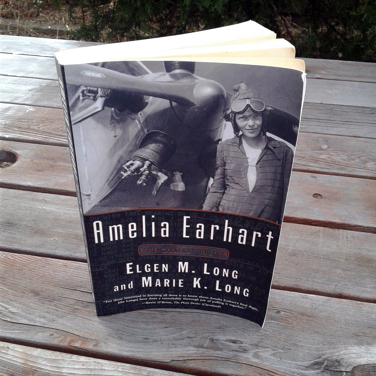 Amelia earhart the mystery solved softcover reading book