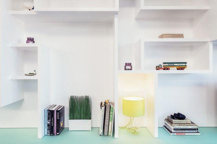Weiße Möbel im Wohnzimmer mit Wohnküche \u2013 4 Einrichtungsbeispielen