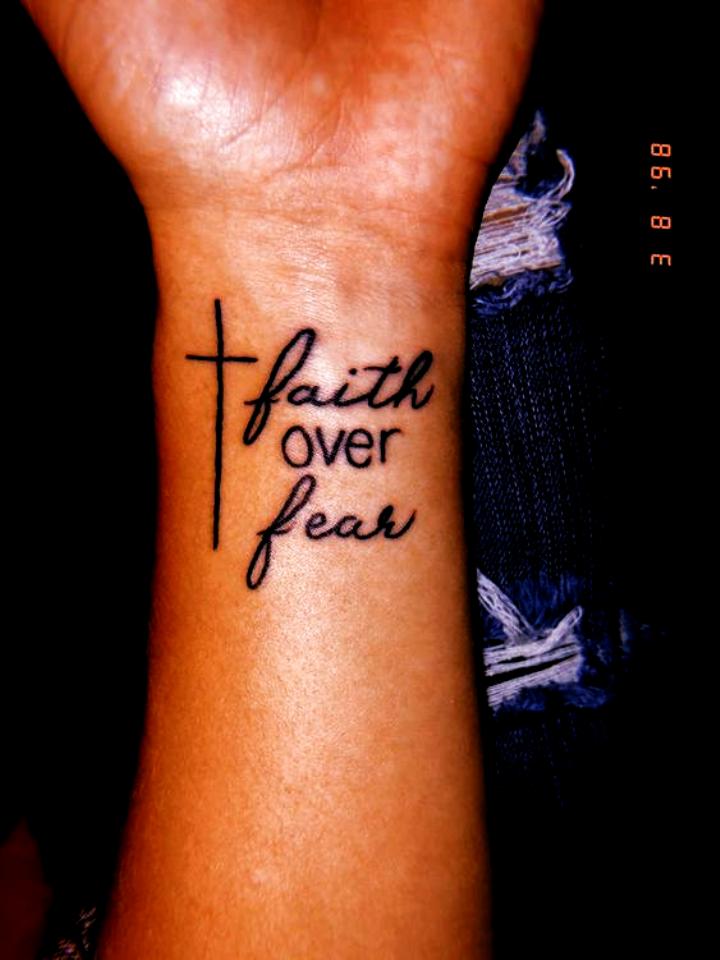 24 idées de citations de tatouage significatives pour inspirer des idées de #tattoo féminines
