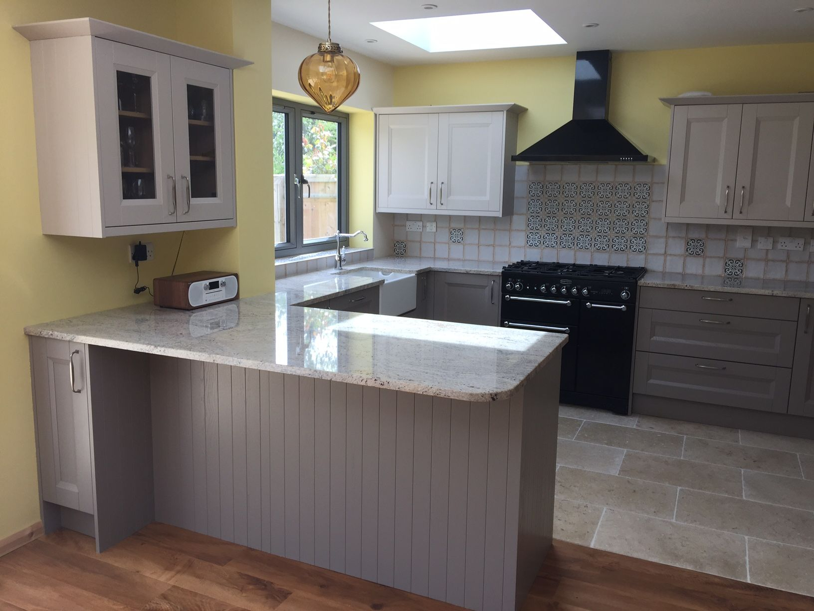 Hilton Painted Kitchen Units in 2 tone colours with Ivory Fantasy ...