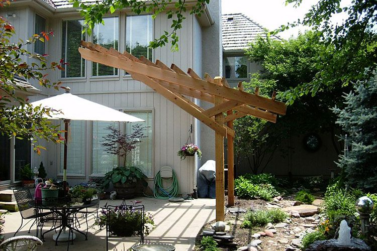 cantilever cedar pergola outdoor framing pinterest abri bois jardins ext rieurs et. Black Bedroom Furniture Sets. Home Design Ideas