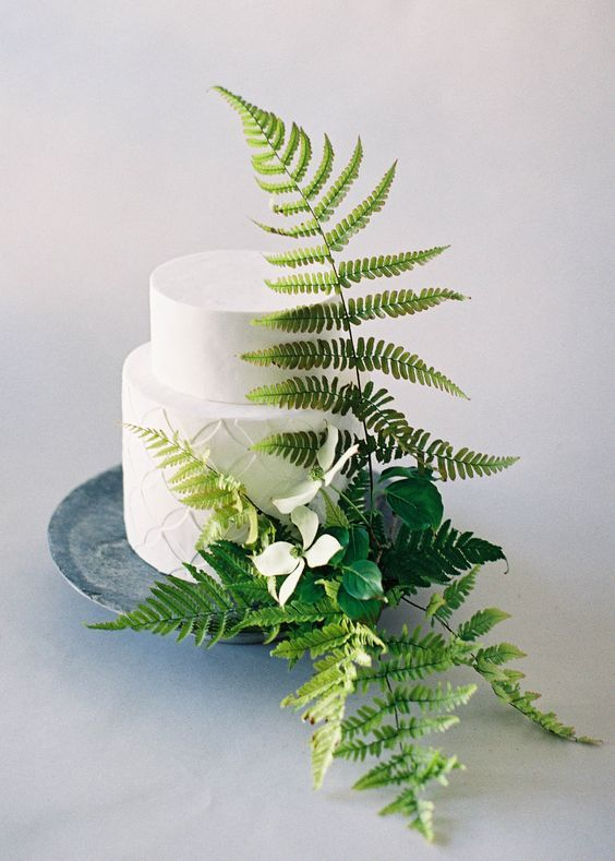 #Greenery #WeddingCake [Pic by @jenhuangphoto] . #weddings #adelaideweddings #weddingplanner #greenery