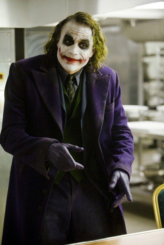 Pin De Natalia Tubello En Joker Guason Batman Joker Y Trajes De