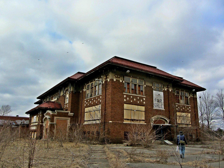 Abandoned School Flint Mi 4000x3000 Oc Abandonedporn Abandoned Abandoned Houses Abandoned Places
