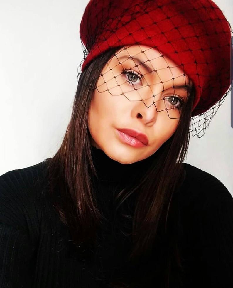 Beret Hat With Veil French Beret Veiled Paris Style Black Etsy Beret Hat French Beret Black Fascinator