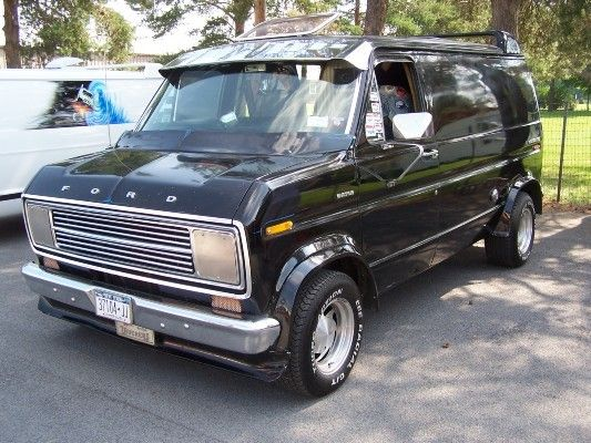 1977 Ford Econoline E150 With Images Ford Van Old School Vans