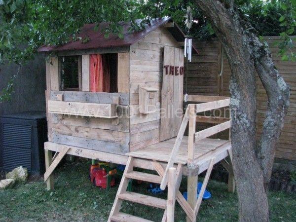 cabane pour enfants kids playhouse hut house pallet kids and garden pallet. Black Bedroom Furniture Sets. Home Design Ideas