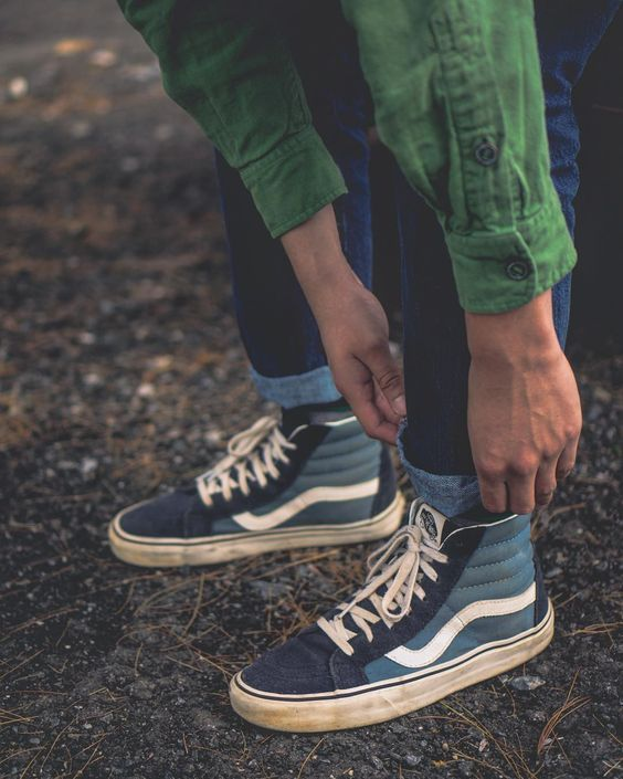 how to style vans sk8 hi shoes