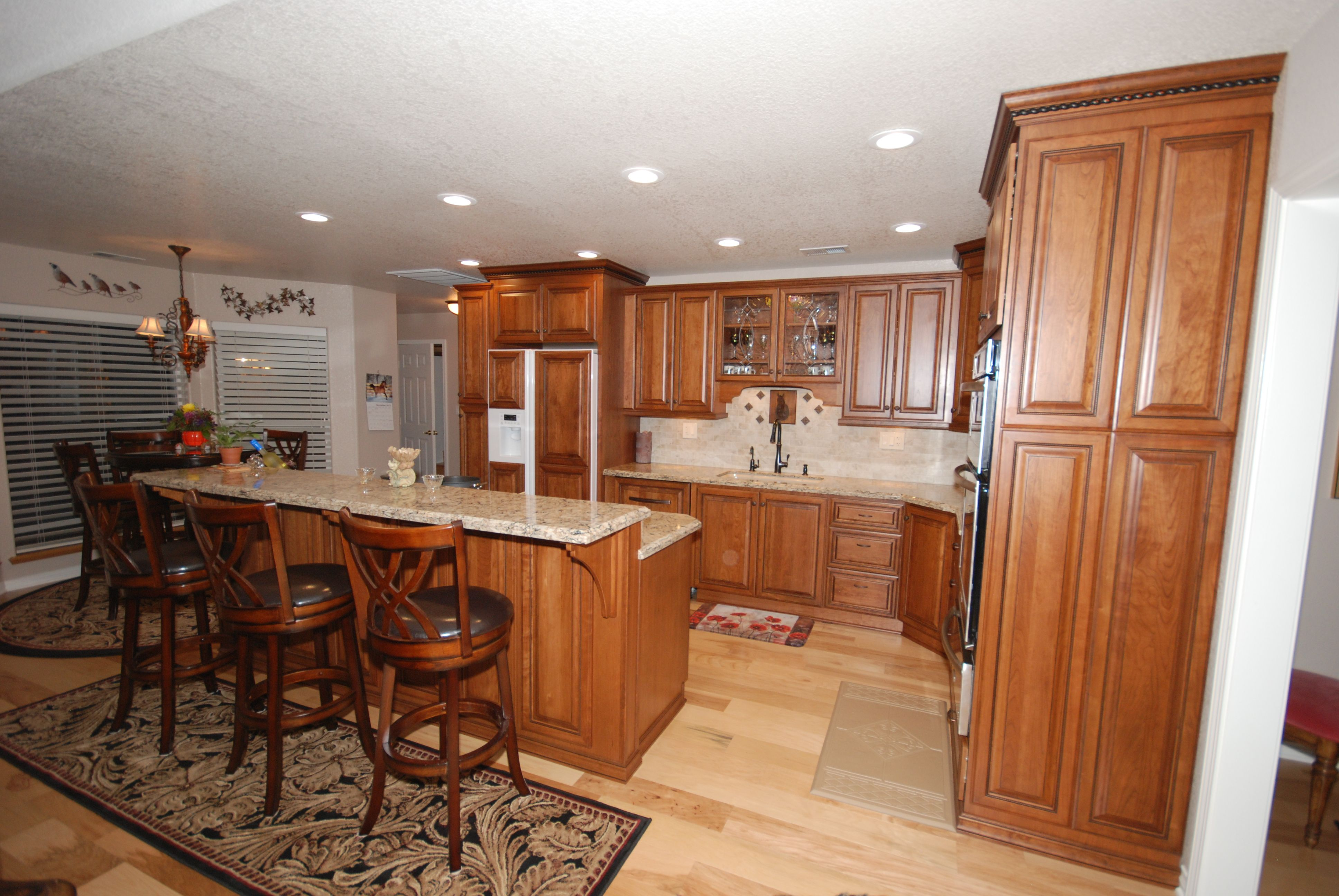 StarMark cherry cabinets in butterscotch with chocolate ...