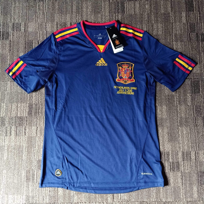 2010 Spain Away Shirt In 2020 Classic Football Shirts Shirts Vintage Football Shirts