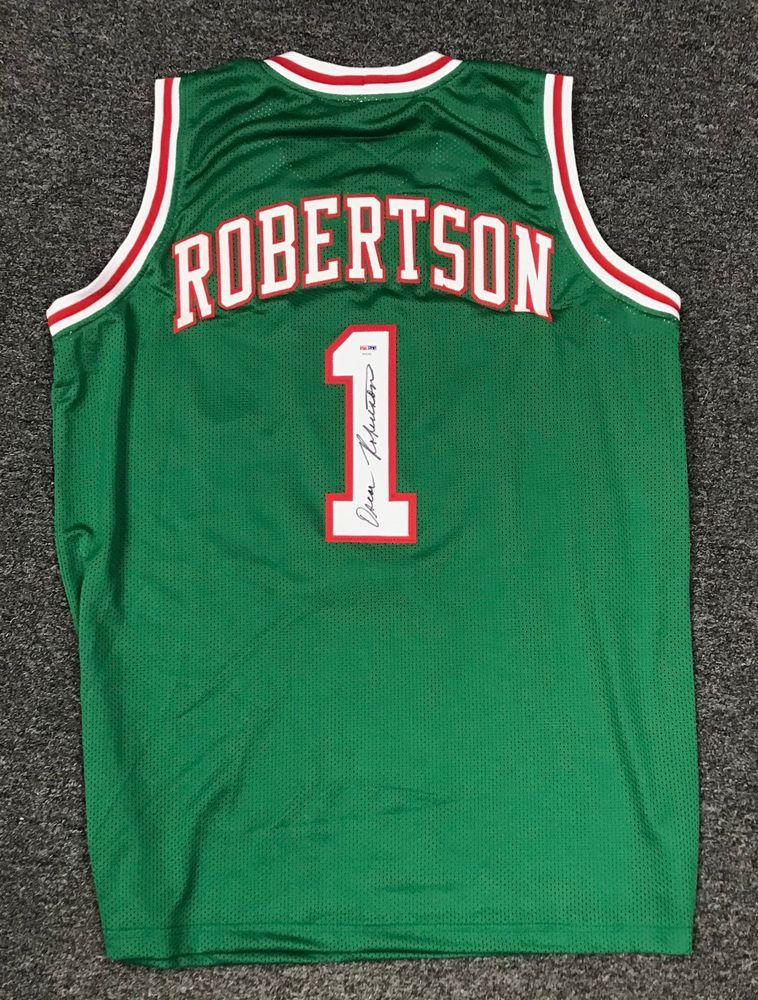 79060b4fb97 Oscar Robertson  1 Signed Milwaukee Bucks Jersey AUTO Sz XL PSA DNA COA HOF