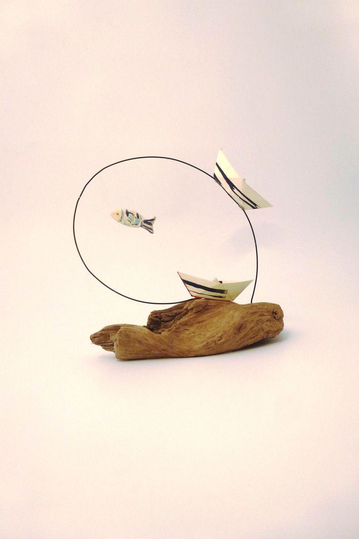 bateaux et poisson en c ramique sur fil de fer noir et bois flott sculptures gravures. Black Bedroom Furniture Sets. Home Design Ideas