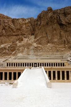 Deir el-Bahari, West Thebes: Mortuary temple of Queen Hatshepsut (18th dynasty, 1490–1468 B.C., built by architect Senenmut), near Luxor, Egypt.