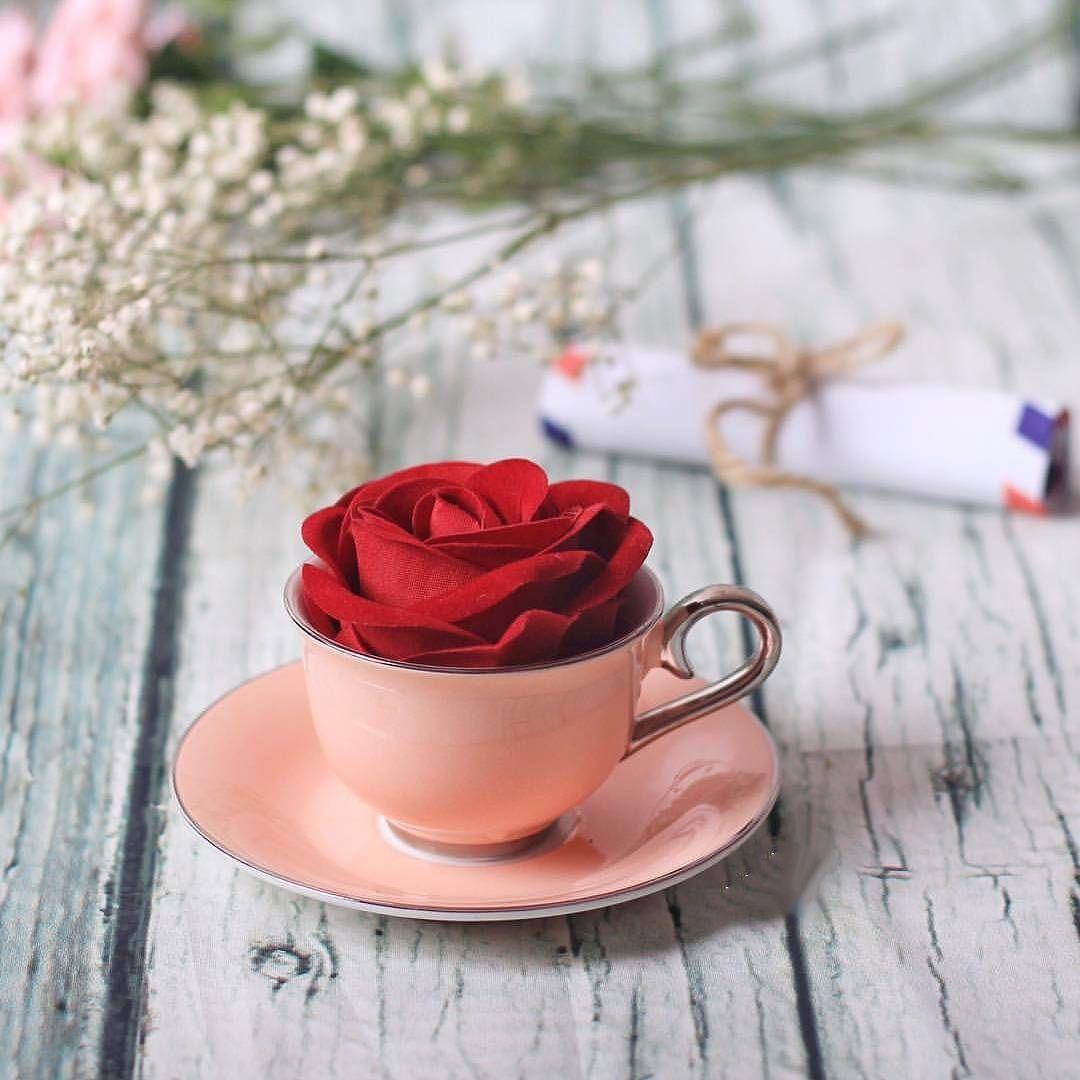 هو ذاك الحب الذي يرمم الروح بإستمرار Beautiful Rose Flowers Cupcake Logo Design Alphabet Wallpaper