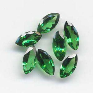 Tsavorite Green Garnet Gemstone Is Used In Various Forms Of Jewelry Especially In Rings Earr Green Garnet Gemstones Semi Precious Gemstones Precious Stones