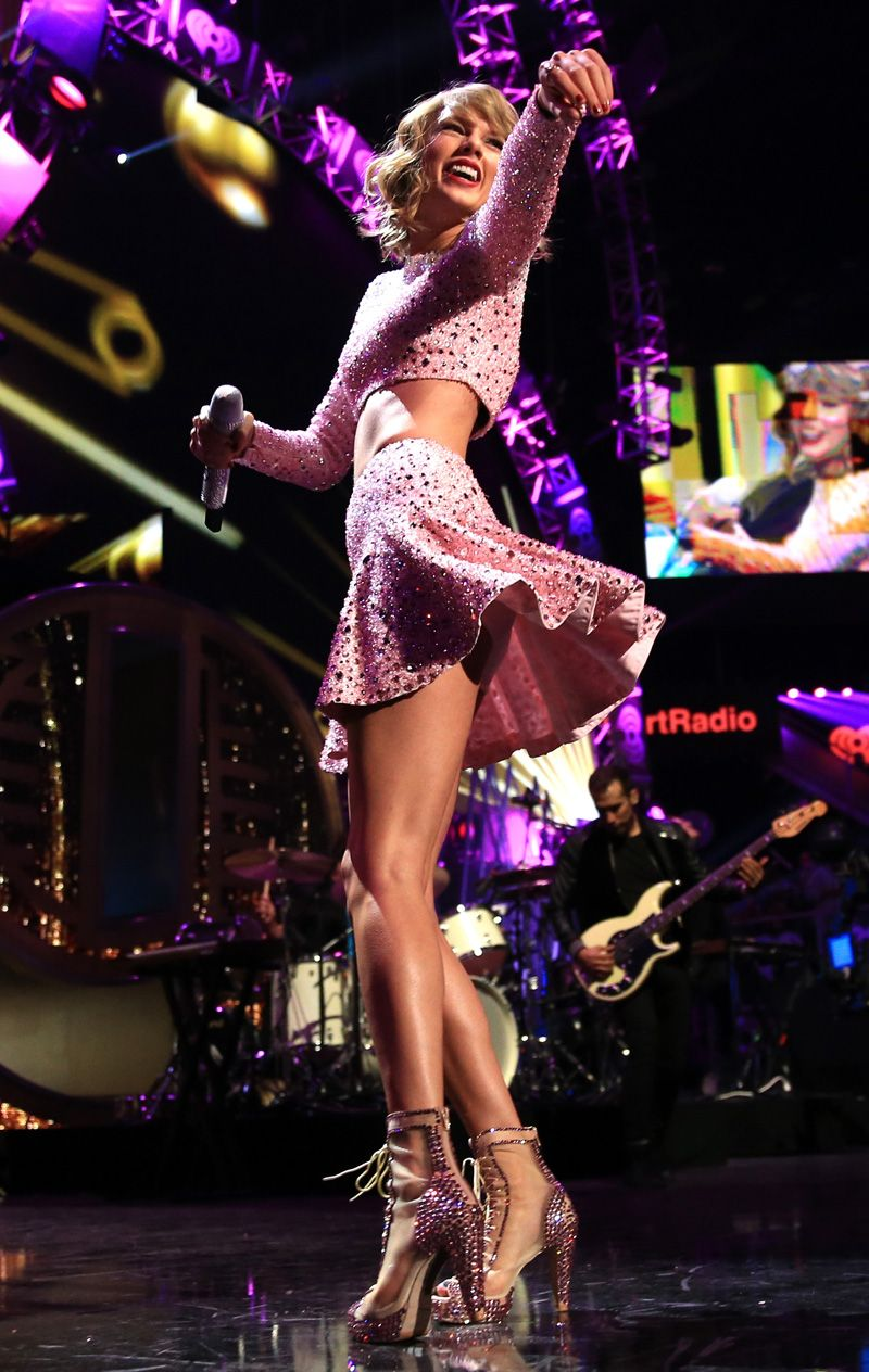 Taylor Swift White Pantie Upskirt On Stage On Taxidrivermovie Com