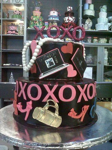 Gossip Girl themed cake Random Pinterest Gossip girls Cake