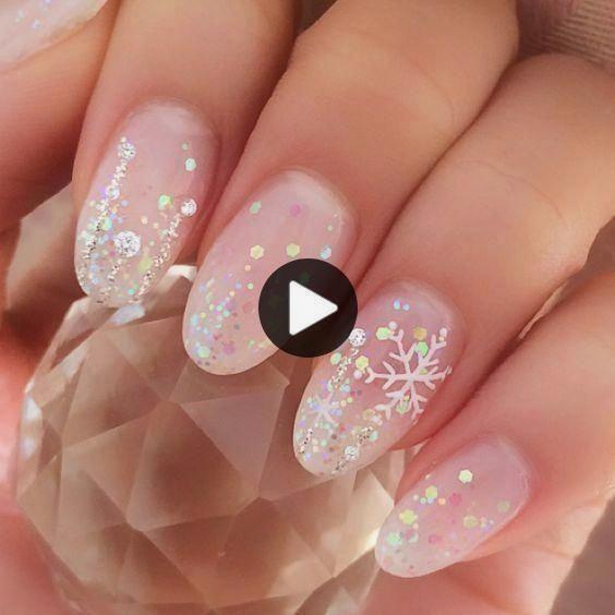 47 Erstaunliche Schneeflocke Nail Art Designs für Weihnachten und Winterferien … #art #…
