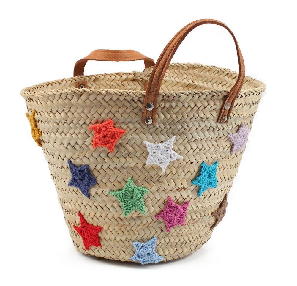 cmo decorar una cesta de mimbre con estrellas de lana aprovechas los restos de lana y le das color a las cestas ms clsicas - Como Decorar Cestas De Mimbre