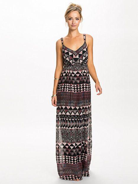 a1c8d0a7e71f Vihypei Print Long Dress - Vila - Hot Coral - Festklänningar - Kläder -  Kvinna - Nelly.com