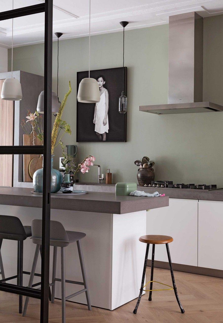 Bedwelming keuken in mintkleur | green kitchen | vtwonen 01-2017 | Fotografie &TK55