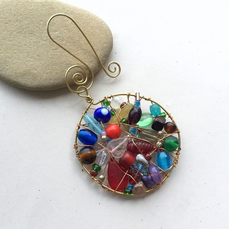Learn to make jewelry with wire wrap tutorials, bead weaving ...