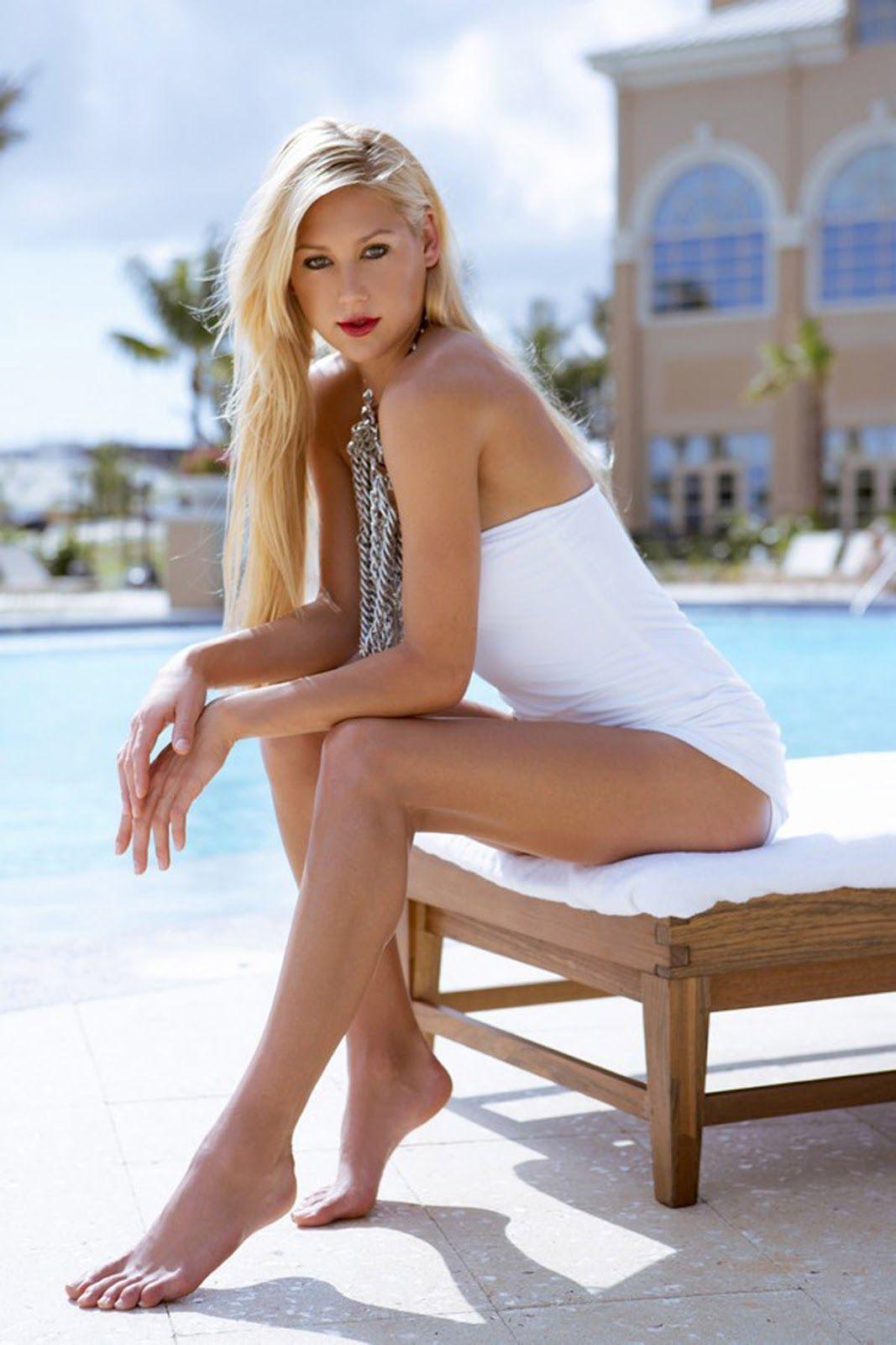 from Aaron anna kournikova legs open