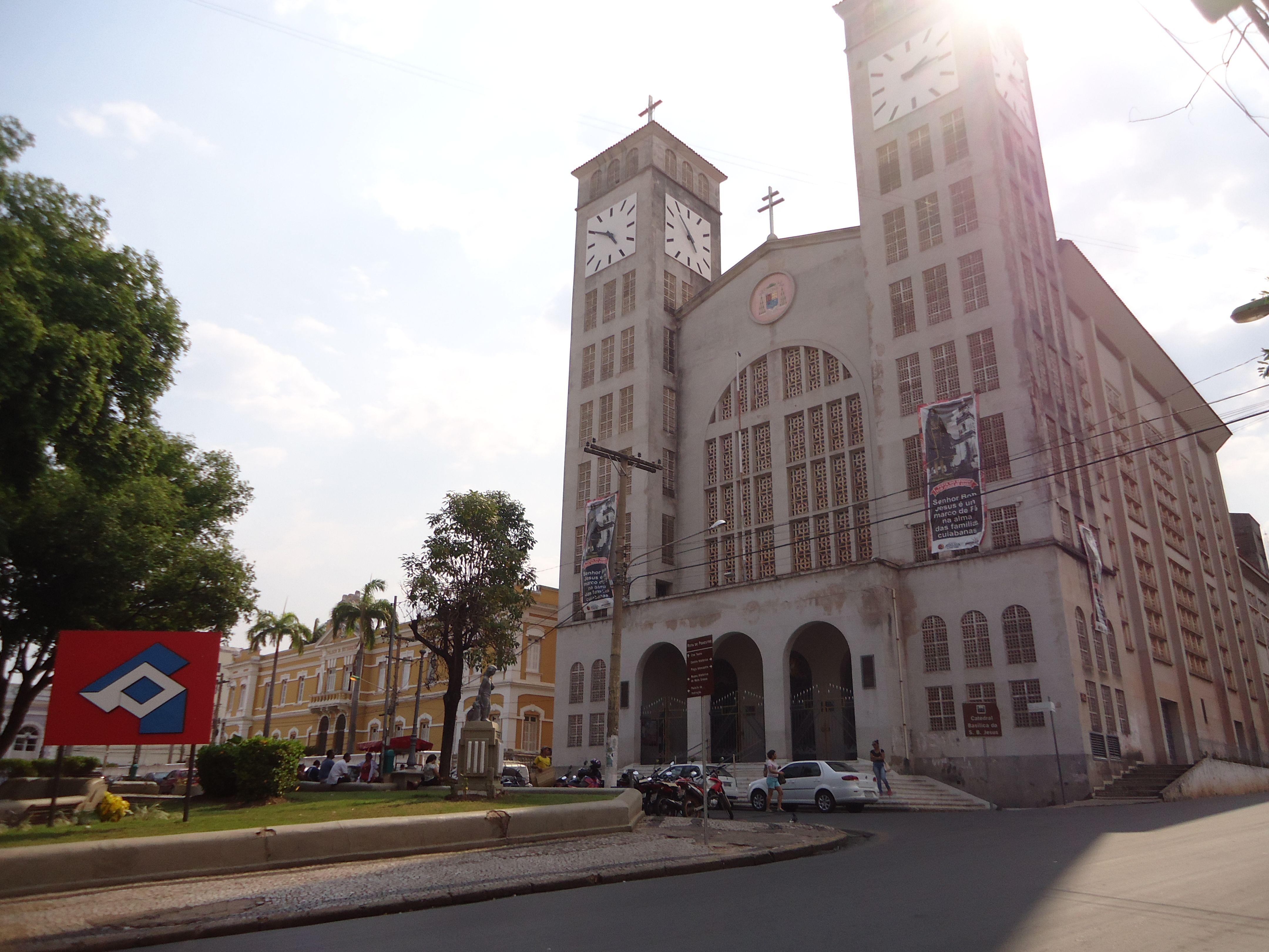 catedral basílica do senhor bom jesus no centro de cuiabá mt