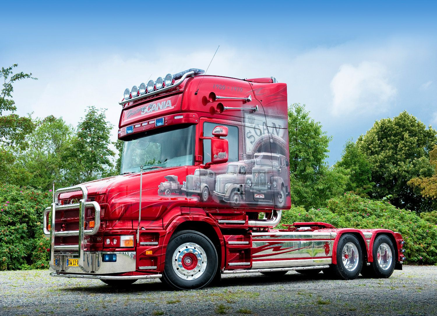 Supertruck scania t 164 580 the history of scania by brigitte and martin larsen
