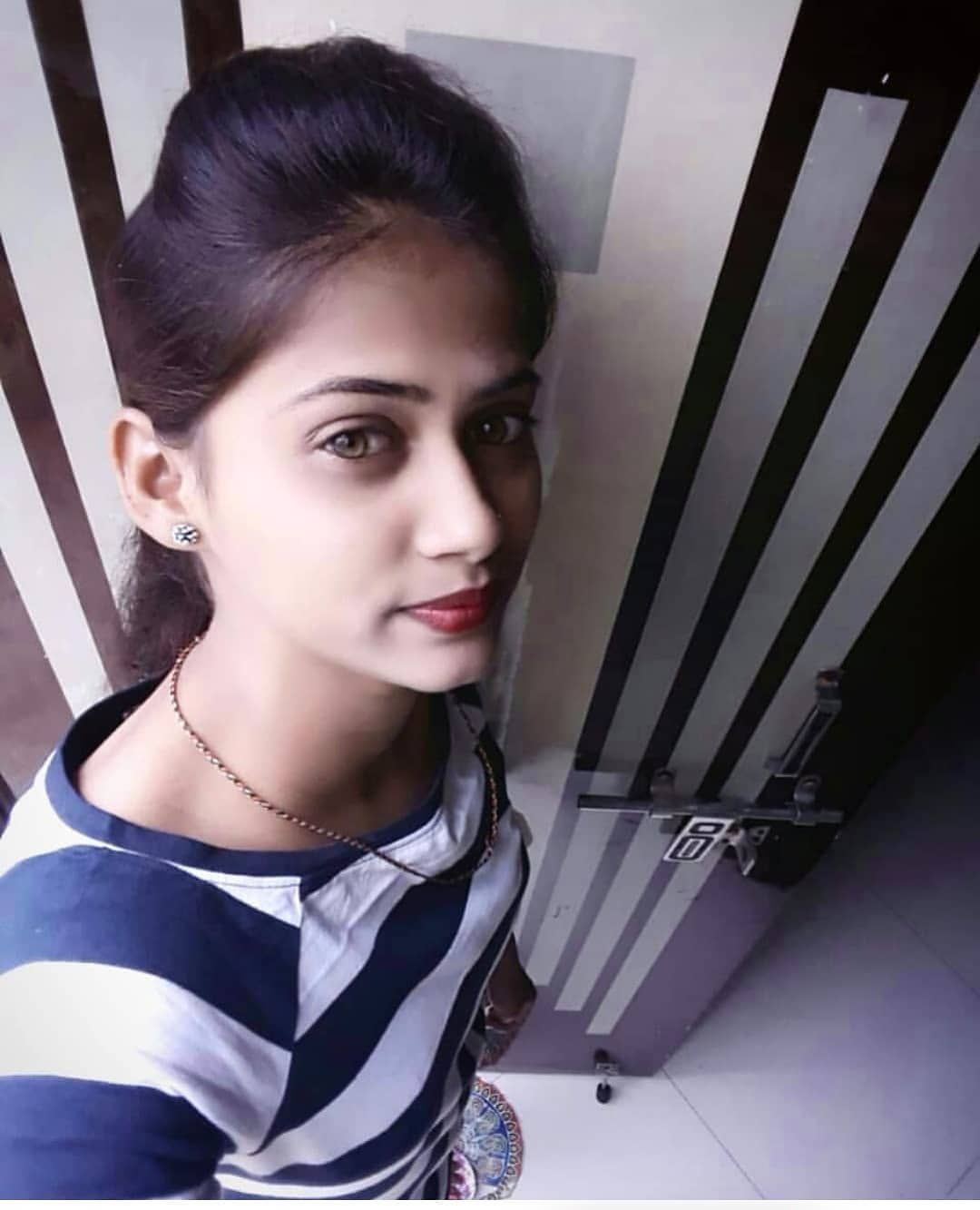 Arti Cute Girl : Image, Contain:, Person,, Stripes,, Selfie, Closeup, Beautiful, Image,, Number, Friendship,, Stylish
