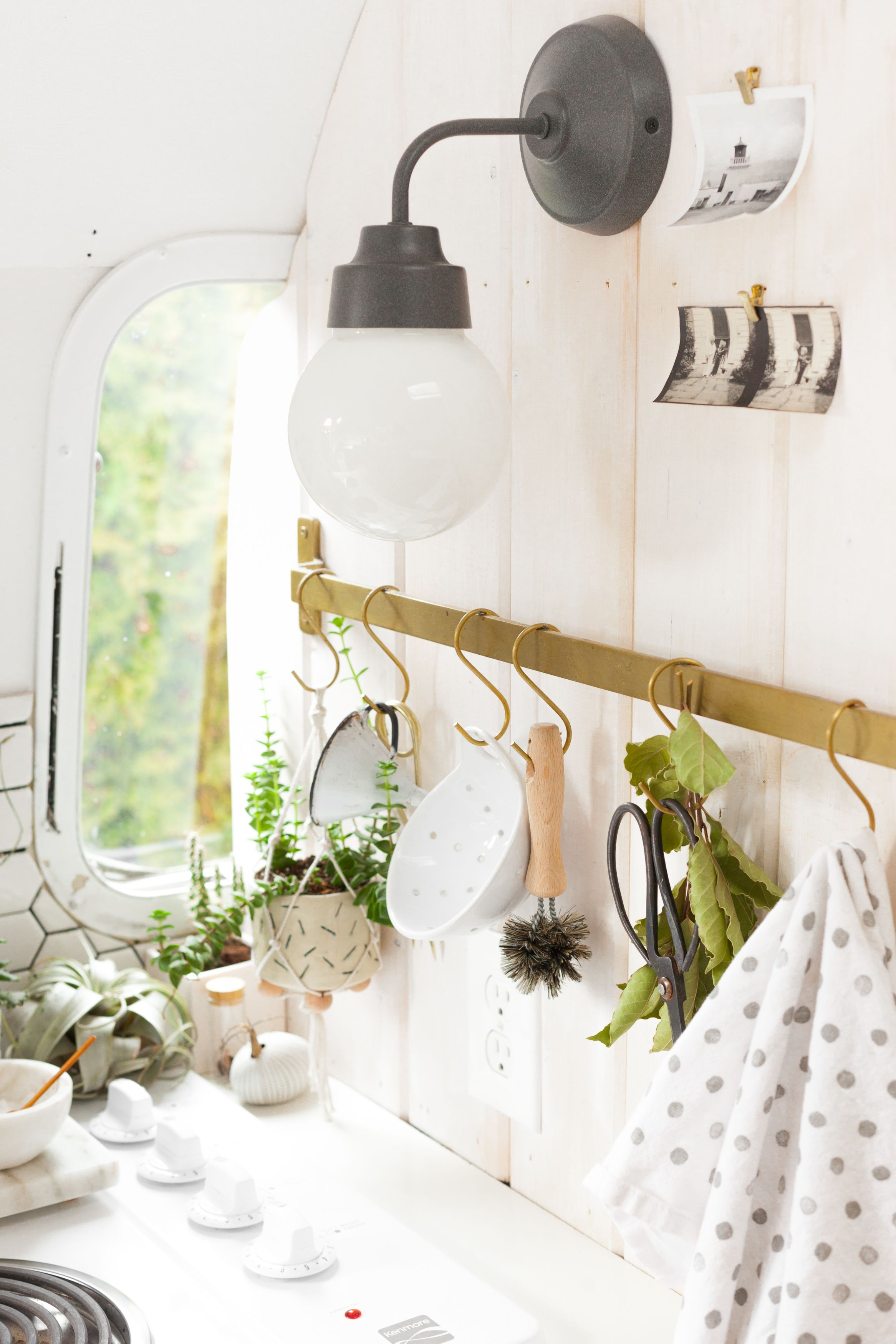 A Vintage Airstream with a Scandi-Inspired Remodel | Smart kitchen ...