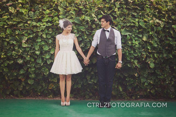 Ivette y Gabriel - Matrimonio vintage ~ Ctrl + Z Fotografía y Diseño #engaged #couples #photography Visita www.CtrlZFotografia.com Fotografía de #parejas #novios #enamorados #Portoviejo #Manabi #Ecuador