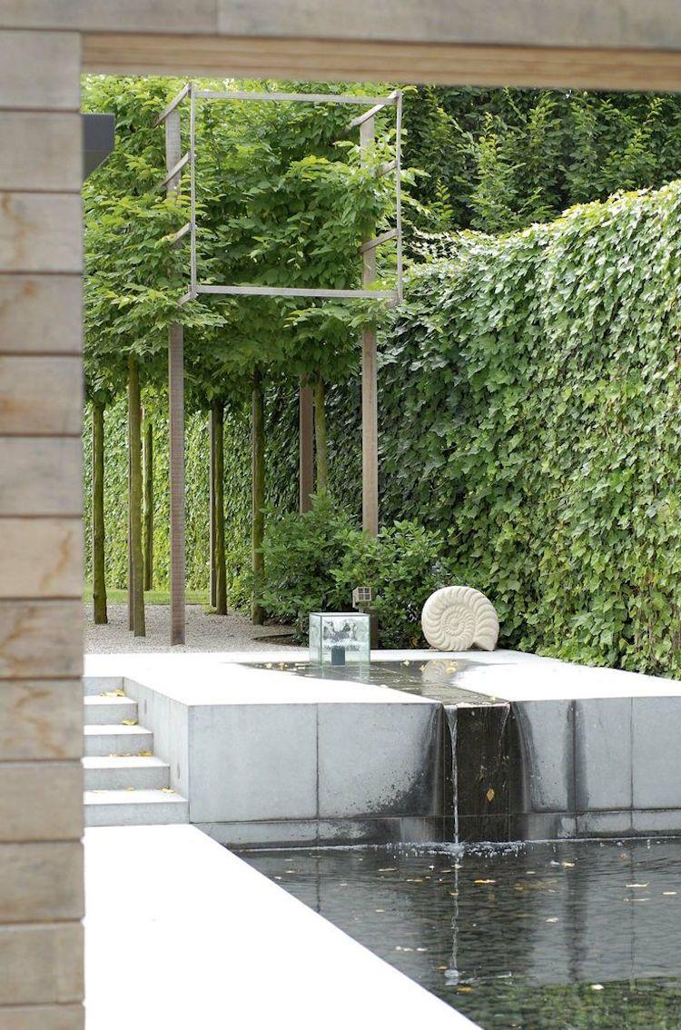 Superior Wasserkaskaden Im Garten  Modern Beton Kletterpflanzen Zaun