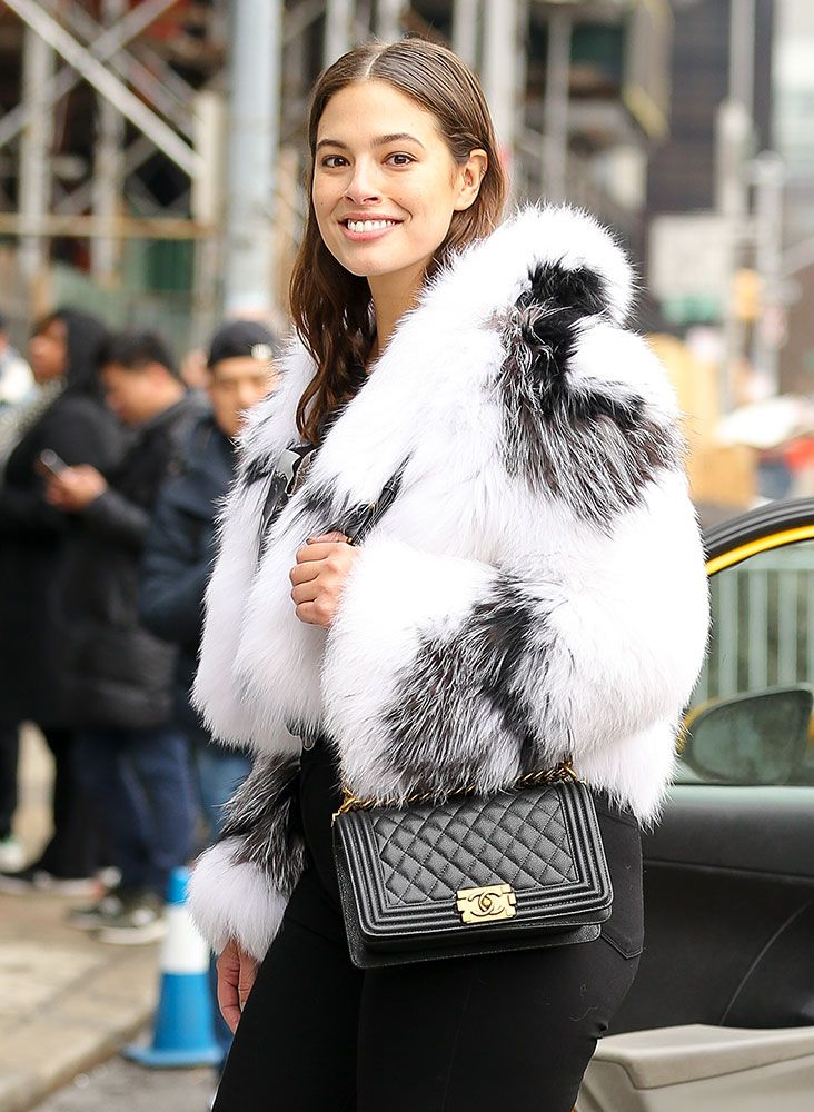 d493e299289748 The Many Bags of New York Fashion Week Fall 2017's Celebrity Attendees -  PurseBlog