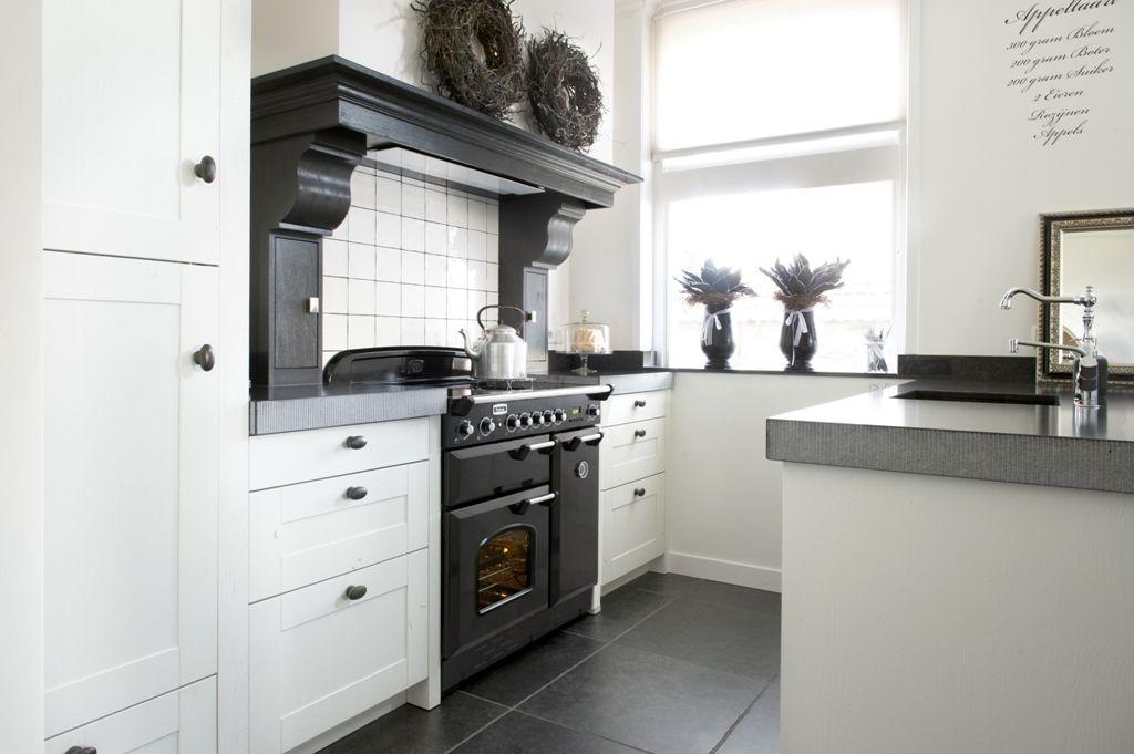Landelijke Keukens Showroom : Landelijke keukens keukens wonen showroom van de pol