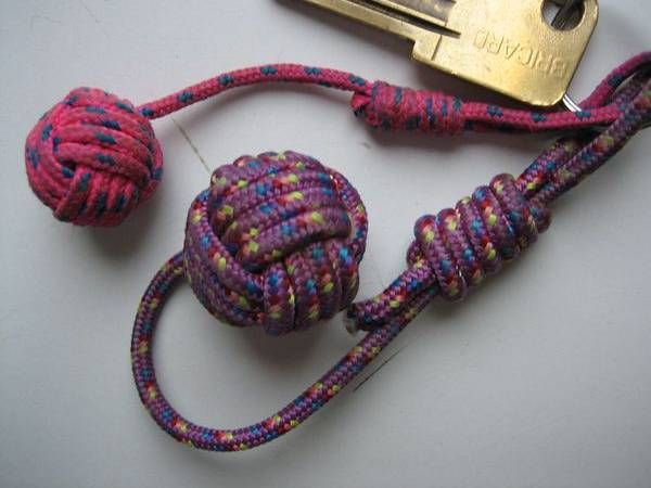 Boule de touline r aliser un joli porte clef oc an pinterest clefs boule et portes - Comment faire un porte clef ...