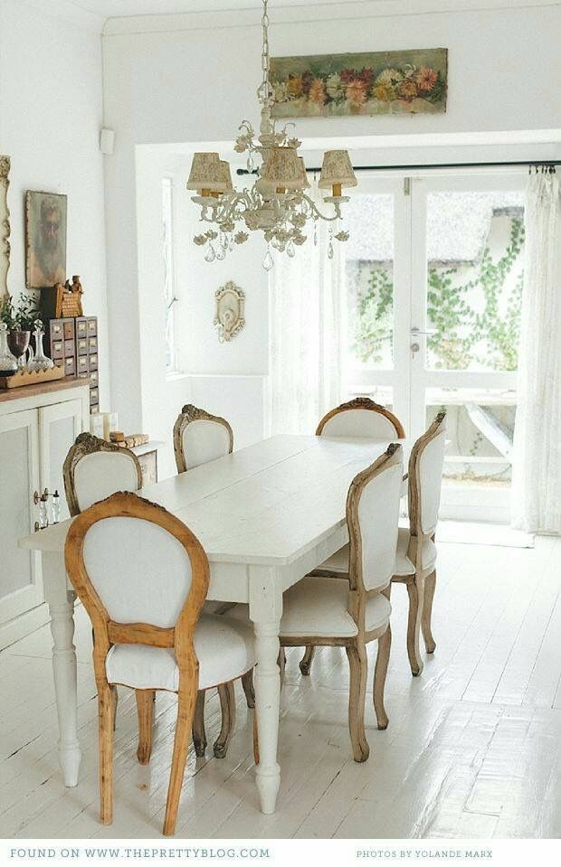 Pin By Jungmini On Vintage Shabby Chic Home French Country Dining Room French Country Living Room Country Living Room French country living dining rooms