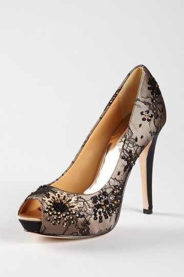You can never go wrong with a beautiful pair of high heels on your feet!  Love me some Badgley Mischka!