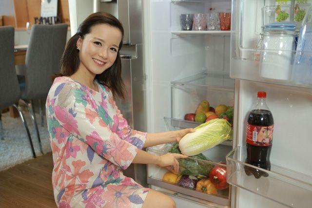 -5 mẹo thú vị cho tủ lạnh sạch khuẩn của hot mom Minh Trang-  http://lamdep.win/5-meo-thu-vi-cho-tu-lanh-sach-khuan-cua-hot-mom-minh-trang/