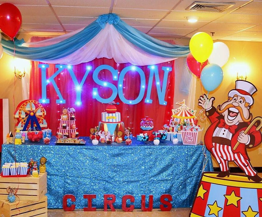 Main Table Decorations Carnival Birthday Carnival Party Birthday Party Themes