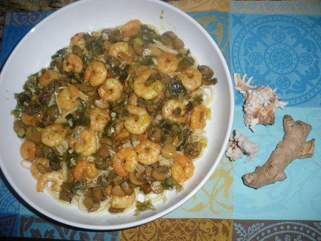 Tentações Sobre a Mesa: Camarão na cama com  esparguete!