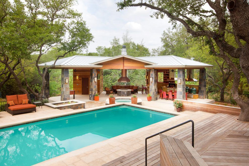 Outdoor Kitchens Pool