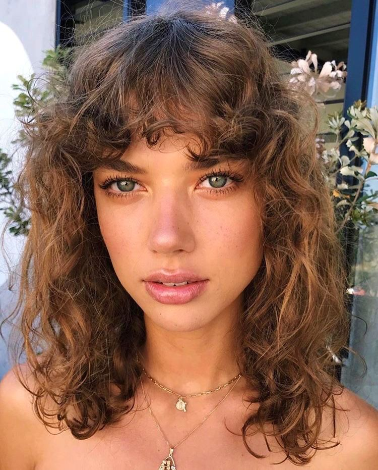 Huge 2020 Hairstyle List The 9 Hottest Trends To Be Obsessed With Ecemella In 2020 Curly Hair Styles Hair Beauty Hairstyle